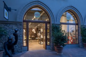 Fidenza Village - The Creative Spot Design store (2)