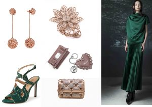 Pendant earings by Bea Bongiasca / Blondie Sandal by Samuele Failli / Lotus ring by Spadafora / Blumarine pochette and keyring / Benedetta Bruzziches' clutch / evening dress by Smarteez