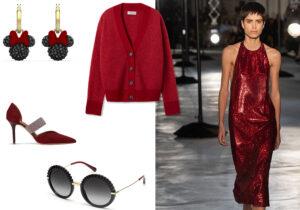 Orecchini 'Minnie' di Disney by Swarovski / cardigan Falconeri / scarpe Malone Souliers / occhiali Dolce&Gabbana by Luxottica / abito N.21 /