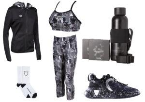 felpa top bra e leggings Arena Active - calze HTC Los Angeles - set nero bottle Waterdrop - sneakers Balmain